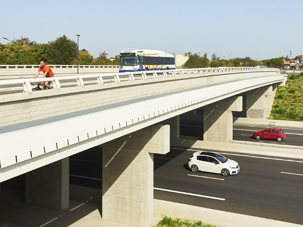 L'#autoroute est une infrastructure d'avenir : flexible et évolutive, capable d'accueillir de nouvelles solutions de #mobilité collective, partagée et décarbonée. #NouvellesMobilites #Territoires @Rencontres_Oc https://t.co/973kvyIMxX