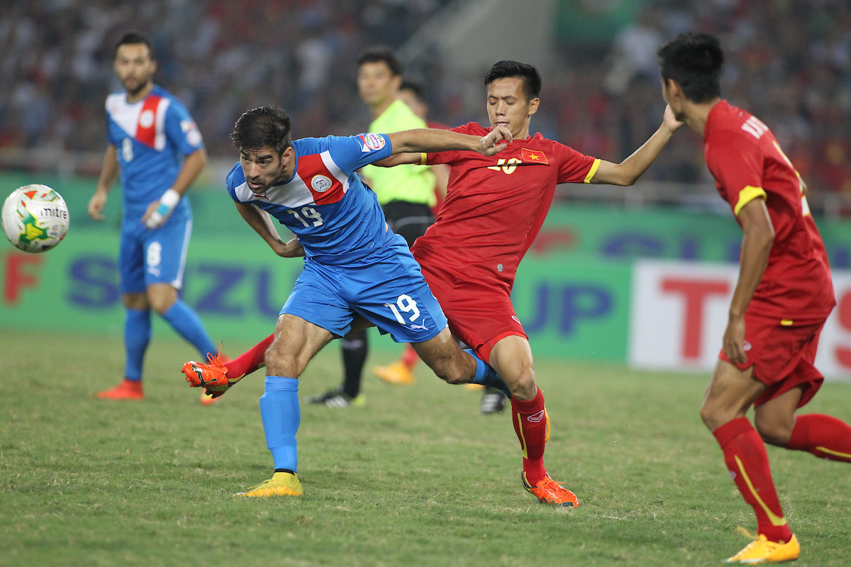 What were your memories of this #AFFSuzukiCup 2014 group stage clash between Vietnam and Philippines? 🇻🇳 🇵🇭  𝘾𝙖𝙩𝙘𝙝 𝙩𝙝𝙚 𝙚𝙭𝙩𝙚𝙣𝙙𝙚𝙙 𝙝𝙞𝙜𝙝𝙡𝙞𝙜𝙝𝙩𝙨 𝙇𝙄𝙑𝙀 𝙩𝙤𝙣𝙞𝙜𝙝𝙩, 𝙧𝙞𝙜𝙝𝙩 𝙝𝙚𝙧𝙚 👉 https://t.co/qNgaEBtoJC https://t.co/B5vZRse67d