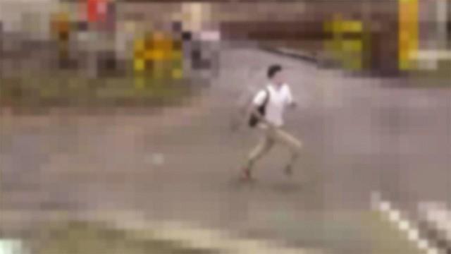 【逃走中】栃木・宇都宮市の岡本駅で女子高生が男に刃物で切りつけられる「騒いだら殺す、金を出せ」と脅され、抵抗すると男は手を切りつけて逃走。警察は映像を公開し、情報提供を呼びかけている。