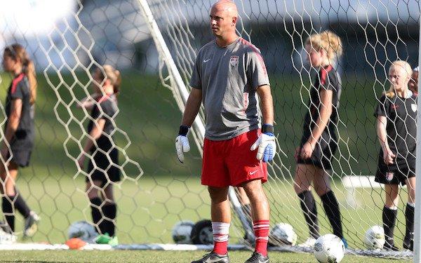 #USWNT hires Philip Poole as full-time goalkeeper coach. https://t.co/kooUgLymdM @pkedit https://t.co/RjWYbi8fVP