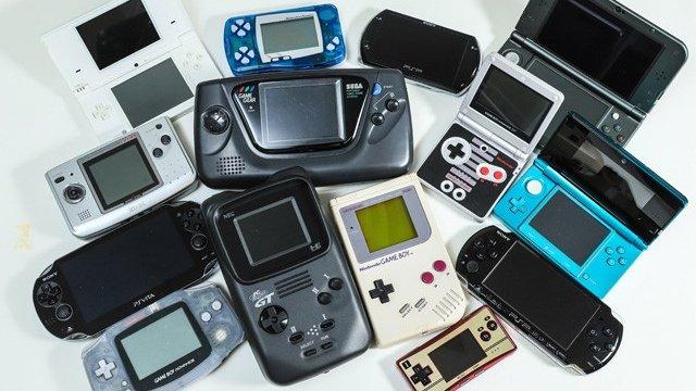 vitaに続き、3DSが生産終了で携帯ゲーム機は完全に息を引き取ったSwitchはLiteの存在と据置と携帯の開発ラインが統合vitaの後継機は公式で未定ここで携帯ゲーム機の歴史は一旦、幕を閉じたと言っても過言ではない