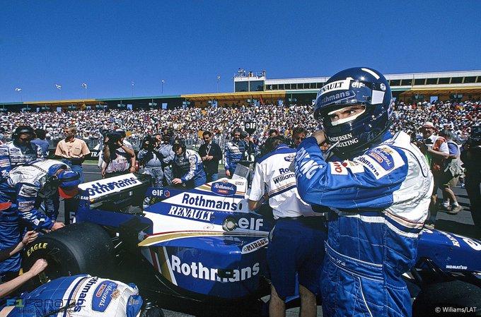 De F1 wereldkampioen van 1996 is vandaag 60 jaar geworden. Happy Birthday Damon Hill.