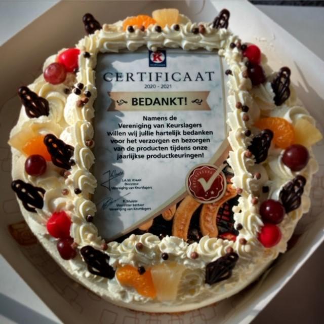 Vanmorgen verrast met deze heerlijk taart door de Vereniging van Keurslagers! #heerlijksmullen#keurslager#hartelijkdankhiervoor👌
