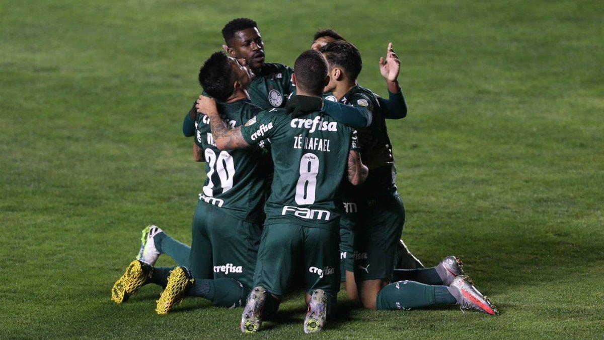 Com Bolívar x Palmeiras, o SBT marcou 10 pontos (pico de 11,5) de média na medição prévia do Ibope em SP, empatando com a Record na vice-liderança.   A Globo, com Corinthians x Bahia, teve 24 pontos (pico de 29). https://t.co/j9UVHBtrJF
