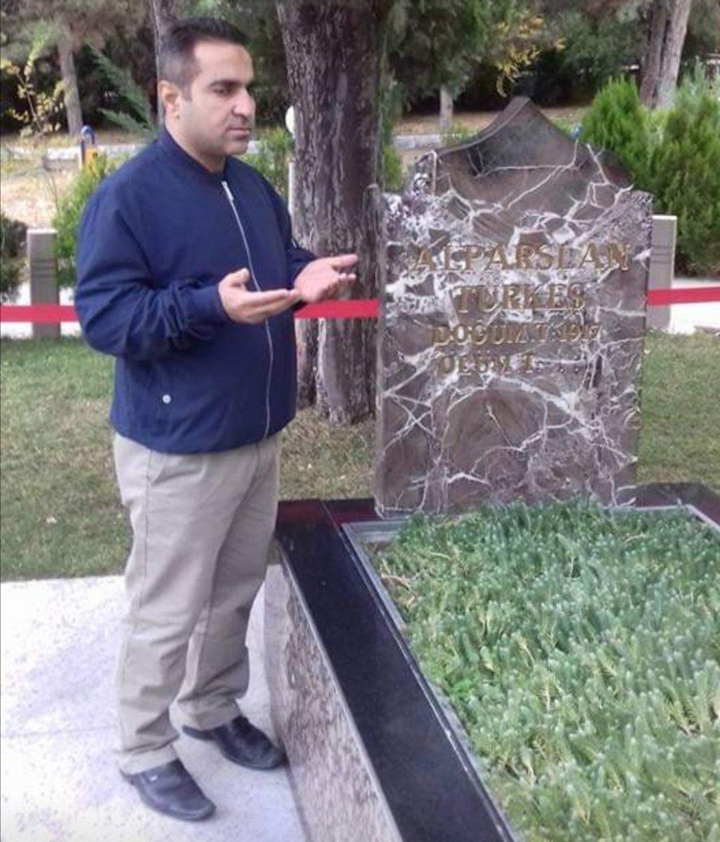 #KutluDava'mıza birlikte omuz omuza hizmet etmekten onur duyduğum Cengiz Demir Hocamı vefatının sene-i devriyesinde rahmetle anıyorum.  Ruhun şâd, mekanın cennet olsun. https://t.co/4FfcZXODKm