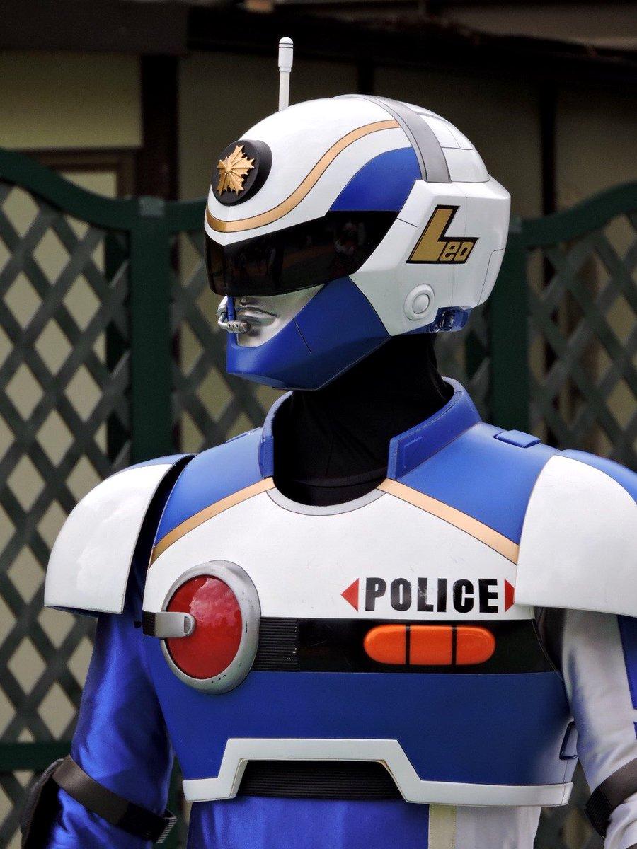 顔が!!!!良すぎると!!!!思いませんか!!!!静岡県警のアーマードポリスっていうんですけど!!!!