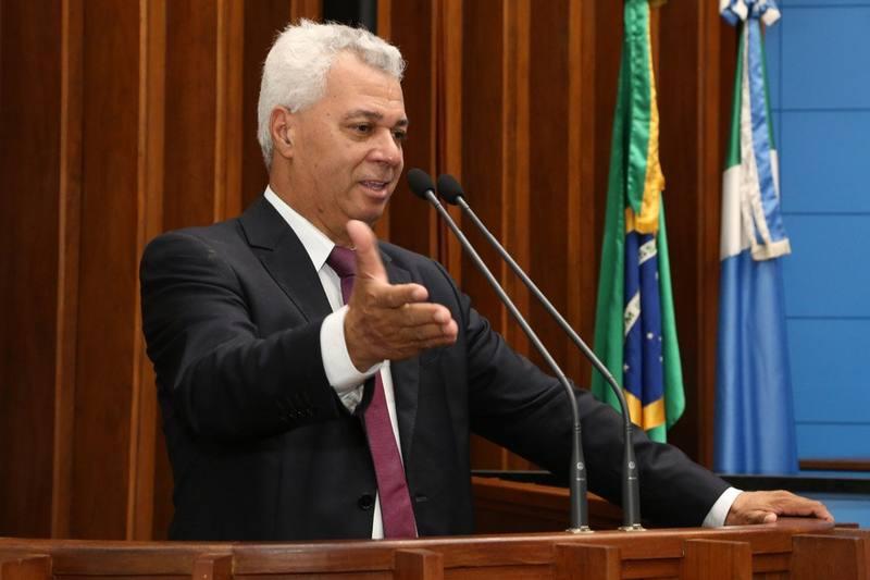 Deputado Cabo Almi quer as Forças Armadas combatendo incêndio no Bioma Pantanal https://t.co/vP2m73G25p #ASSEMBLEIALEGISLATIVA #DeputadoCaboAlmi https://t.co/qHLkRWt4eL