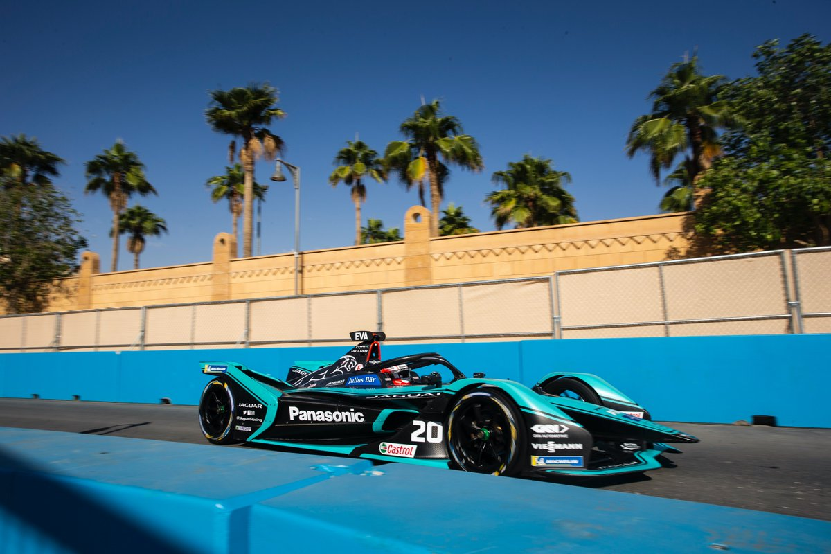 📸 A special #ThrowbackThursday from the #DiriyahEprix.   We asked our team photographer @andrewferraro to choose his top 5 images from the race.  1️⃣1/250th F/11 The entrance to the pits was a good spot to get a shot to show off our exotic location with some local architecture 🌴 https://t.co/b64GQSjmre