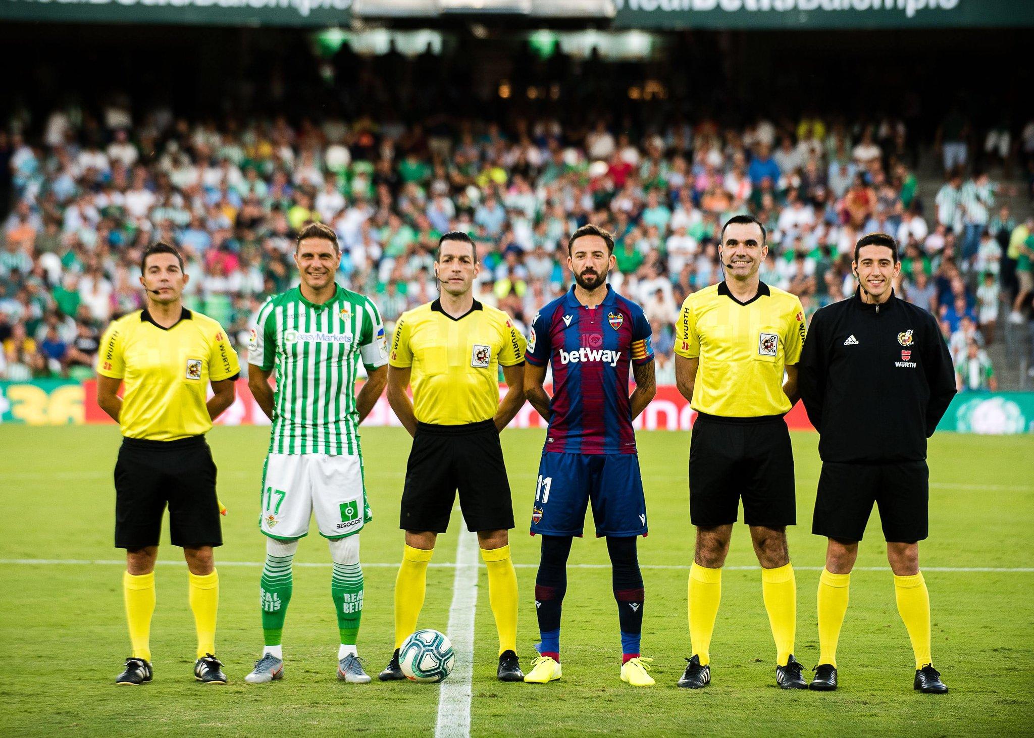 ¿Cuánto mide Joaquín Sánchez? (Futbolista) - Altura - Página 2 EiHVNn5XkAEphEI?format=jpg&name=large