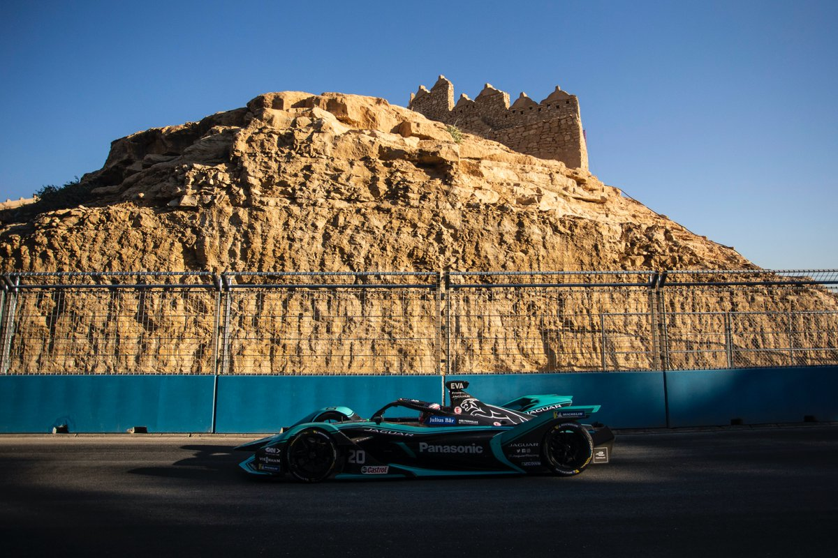 5️⃣1/6400th F/4 Mitch Evans drives past a typical Ad Diriyah scene of rocky desert landscape and an ancient ruin.  #JaguarElectrifies #RaceToInnovate #ABBFormulaE https://t.co/o5s1yGfWQX