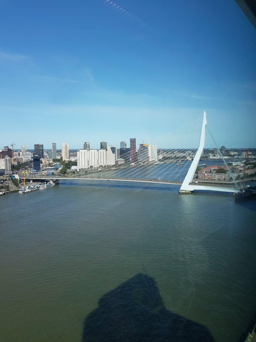 Ook vanmiddag/vanavond weer een avonddienst, met een heerlijk weertje over Rotterdam 🇳🇬🌞😀 #Erasmusbrug #Euromast #Rotterdam https://t.co/tRKah7rTja