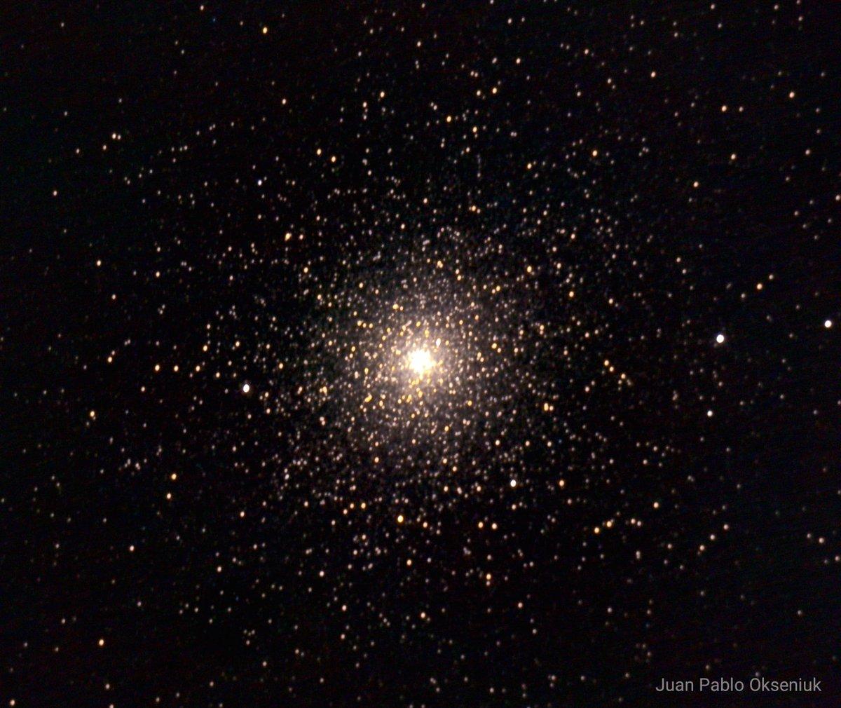 """""""Cómo un tucán, can, can. Te echaste a volar"""" . Cúmulo globular 47 Tucanae . #Astrophoto #Astrofotografia #SkyWatcher https://t.co/uKWCV5ENd4"""