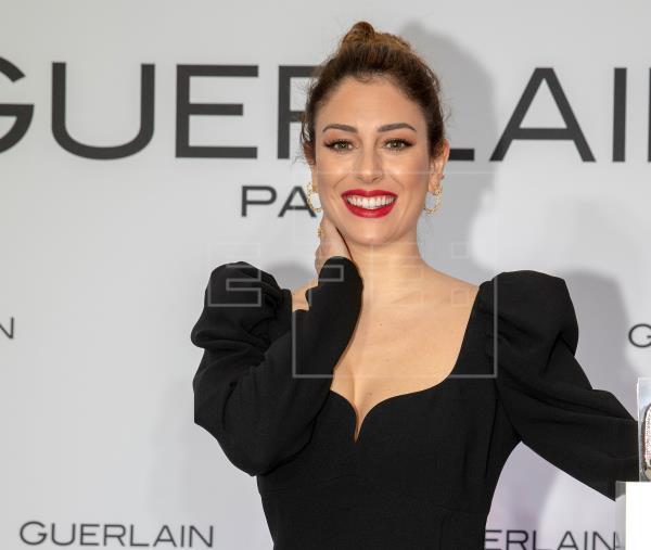 Blanca Suárez luce su mejor sonrisa  https://t.co/4FA3V2JGLp #felizfindesemana #moda #Cinema #woman #style #beauty https://t.co/dlMXAwkJqg