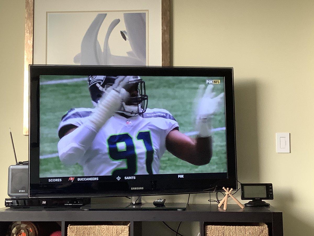 #Seahawks v #Patriots Sunday night! QB Russell W > Cam; RB #ChrisCarson > #SonyMichel & White; #StephonGilmore > Everyone, FB #CarlosHyde > #Burkhead, Beli > Carroll, Receivers #DKMetcalf #Lockett et al > #Edelman et al.    Will be amazing game, but experience rules. https://t.co/8mhBUuLXjP
