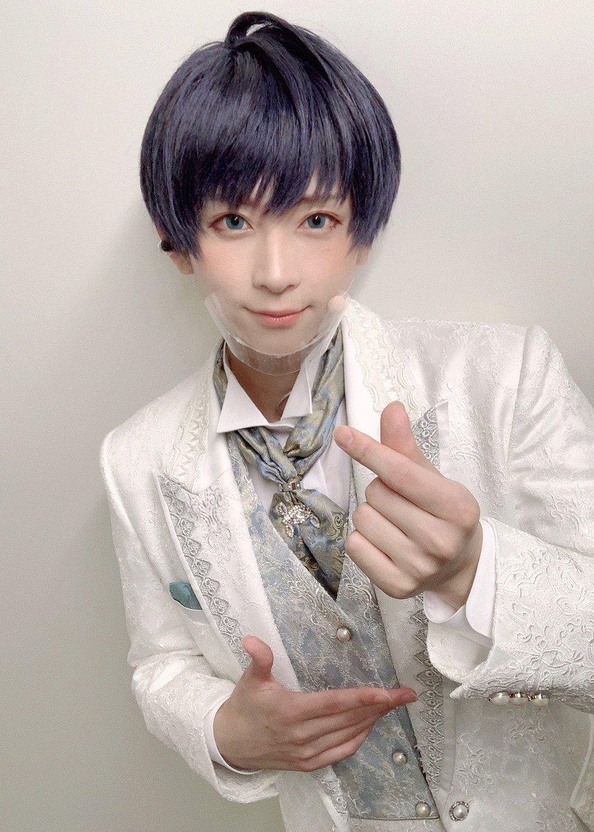MANKAI STAGE『A3!』〜Four Seasons LIVE 2020〜初日。無事に終わりました🌻ご来場、ご視聴ありがとうございました!🌸カンパニー勢揃いのライブ、いかがでしたか??ステージから観る客席は眩くてとても素敵な空間でした🍁写真はつむぎ❄️