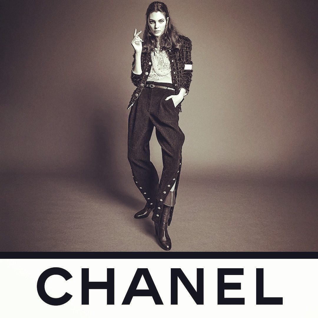 Loving @CHANEL❤ @inezandvinoodh shows Vittoria Ceretti wearing,CHANEL collection,Jodhpur pants that open over riding boots and recall the world of horses that so inspired GabrielleChanel.See the Fall-Winter 2020/21 Ready-to-Wear collection  now in boutiques and @CHANEL.❤💕💙💜 https://t.co/KlkoS1SqAF
