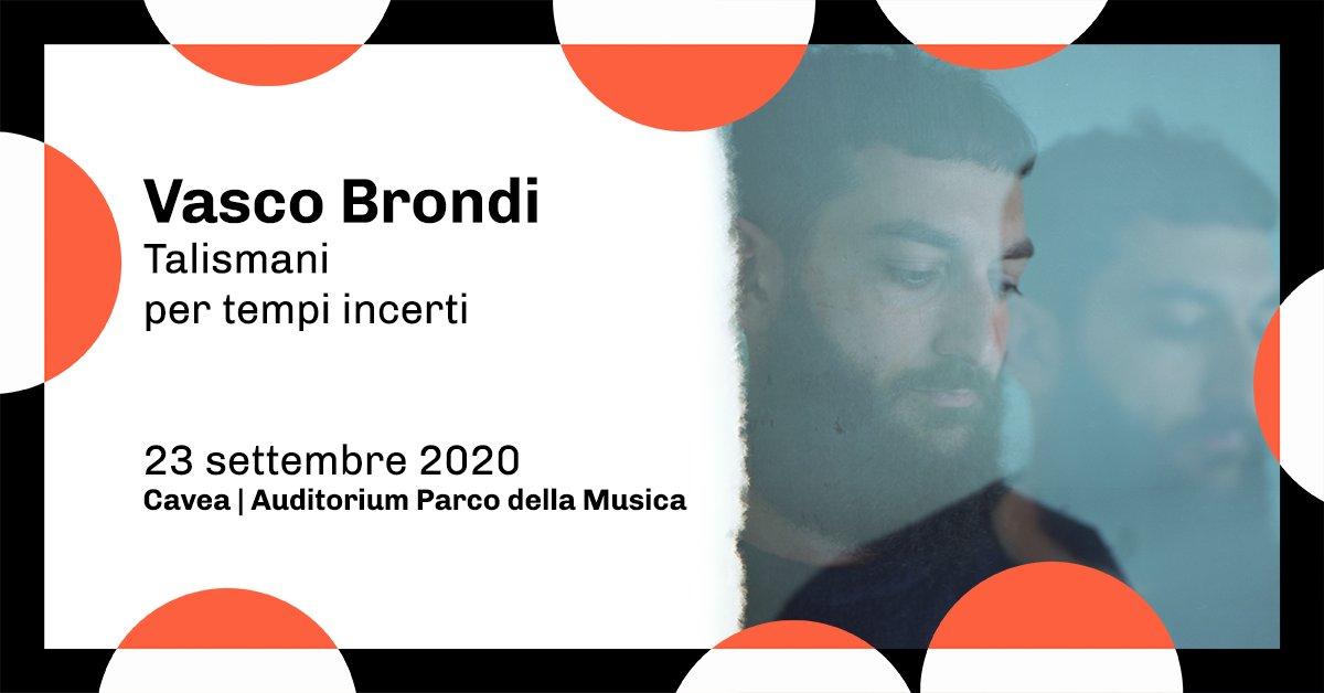 """Tonight is the night! @vasco_brondi torna ad esibirsi dal vivo con """"Talismani per tempi incerti"""": canzoni, poesie, letture, riflessioni. Sonate per pianoforte, violoncello e chitarre distorte.   👉 https://t.co/zSUGwxZ6hs https://t.co/blcCHCOMlY"""