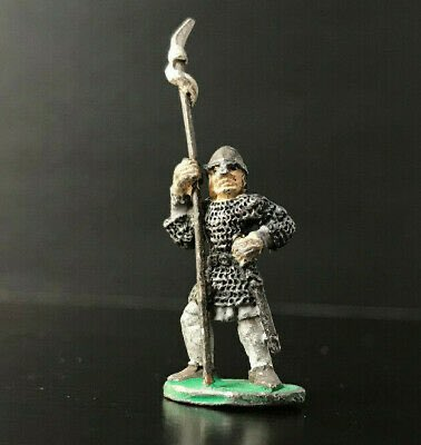 I love old school miniatures. Is anyone familiar with this one? Which company produced it... Grenadier or Ral Partha etc? 🤷🏼♂️   @OSRCARL do you happen to know? https://t.co/Jxaf2JXYUF