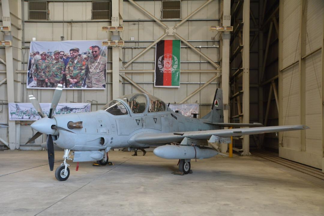 4 US aircraft ✈️ delivered today to the 🇦🇫 Afghan Air Force. The Afghan Air Force continues to develop and make a difference for securing peace in #Afghanistan, with #NATO and 🇺🇸 US support. Check here for more details ➡️ bit.ly/2H2div0