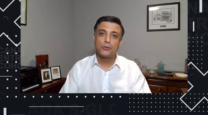 """""""COVID-19 alone is a great why businesses should consider taking their products globally in today's digital world."""" -Paul Gaspar @UPS_SmallBizCA, @UPS_Canada  Watch his #CXC2020 BC & North workshop LIVE:  https://t.co/wOQGLqZmLi https://t.co/TpnEy8eyve"""