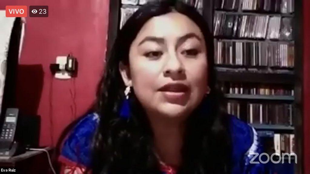 """""""La pandemia ha dejado claro que las comunidades no están bien en materia de salud"""": Eva Ruiz, Comunicadora comunitaria de Oaxaca.  #ConversatorioVirtual """"Pueblos y comunidades indígenas frente a la pandemia"""".  #KASMéxico 🇩🇪🤝🇲🇽 https://t.co/zmiwid5fWB"""