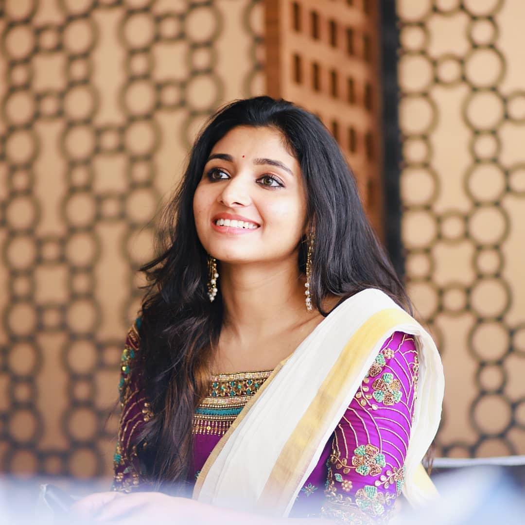 Traditional Beauty #mirnaa 😍📸  @mirnaaofficial @Prabhastylish https://t.co/G4zoEInHTt