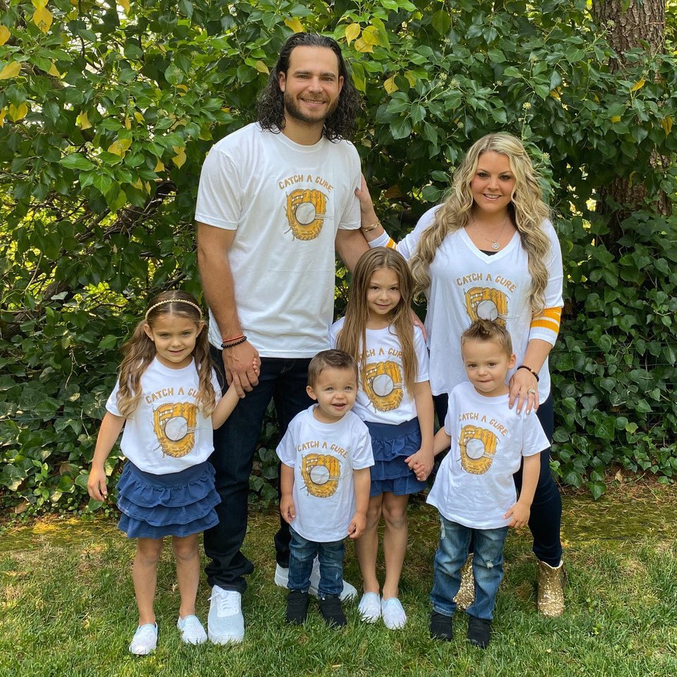 """Please share & join me 🙏🏼❤️ September is Childhood Cancer Awareness Month. It is an honor for me to team up with fellow members of the @UCLA Bruin family & new friends @JalynneC35 @bcraw35 & @tinyturniptweet on their generous """"Catch A Cure"""" campaign to raise funds to fight https://t.co/I0ST1Xwqaq"""