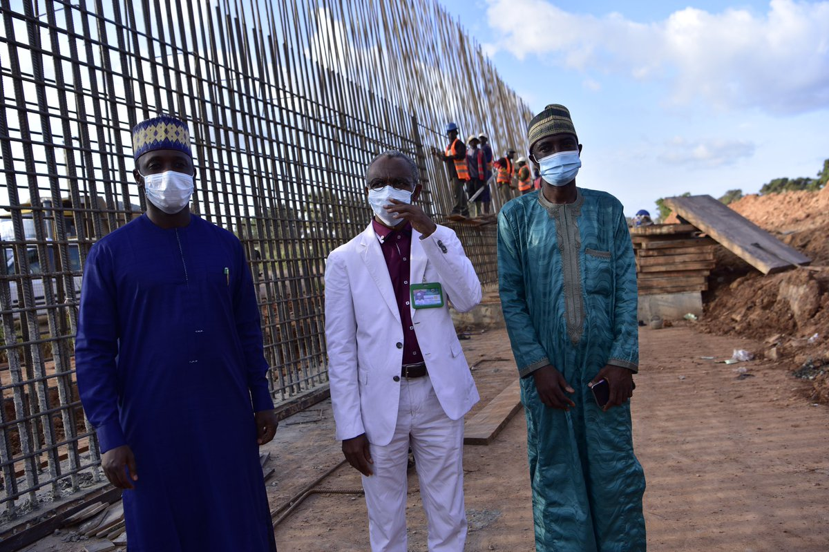 The governor visited the Yakubu Gowon Road underpass, the 5.6km road linking the Millennium City to the Eastern Bye-Pass, the new Kawo Flyover and the 12.5km road that will link a dualised Rabah Road to the Rigasa train station through the Western Bye-pass https://t.co/nOH4ylOimz