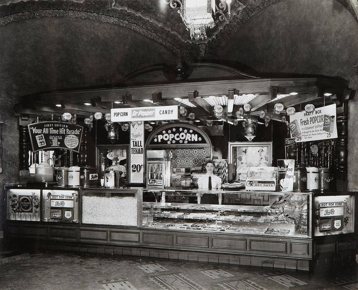 Popcorn, Dr. Pepper, Candy, $0.20 cents! The Majestic Theatre lobby kiosk in 1957. 🍿🍭 #majesticempire https://t.co/7FGUfrw1Bg