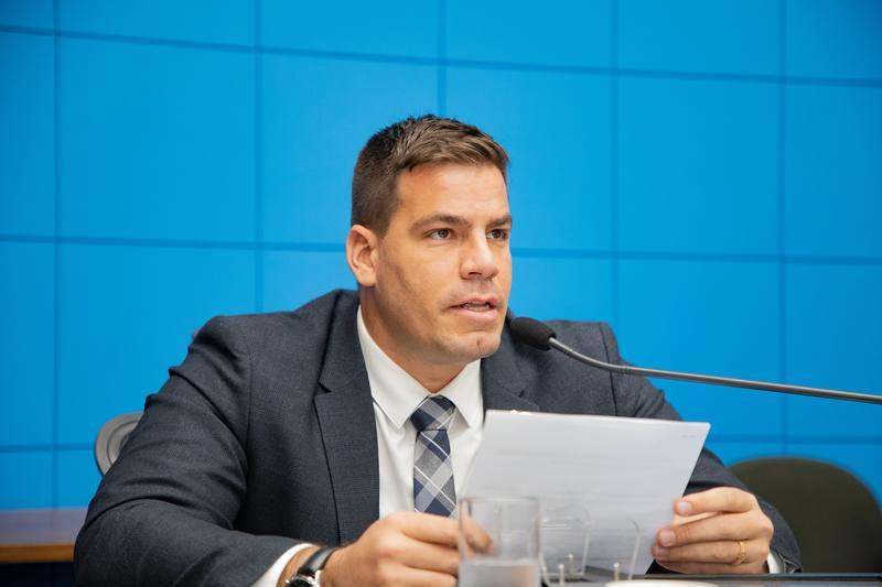 É Lei: novas medidas de combate à violência obstétrica apresentada pelo deputado Capitão Contar https://t.co/O5Gnu1iMS7 #ASSEMBLEIALEGISLATIVA #DEPUTADOCAPITAOCONTAR https://t.co/PivoGAHDGV