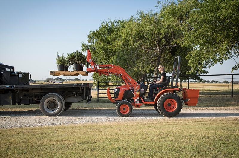 Looking for a small tractor for your home or farm? Check out Kubota's line of compact tractors! https://t.co/hsKF6zQ4tK  #Kubota #tractor #farming #agriculture #outdoors #farm https://t.co/X7HqIsQSGe