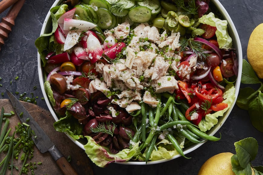 I live for a majorly loaded salad moment! And today it's all about this stunning Loaded Nicoise Salad! RECIPE: https://t.co/OxxXQvOPPq https://t.co/Ux4YtVH1MC