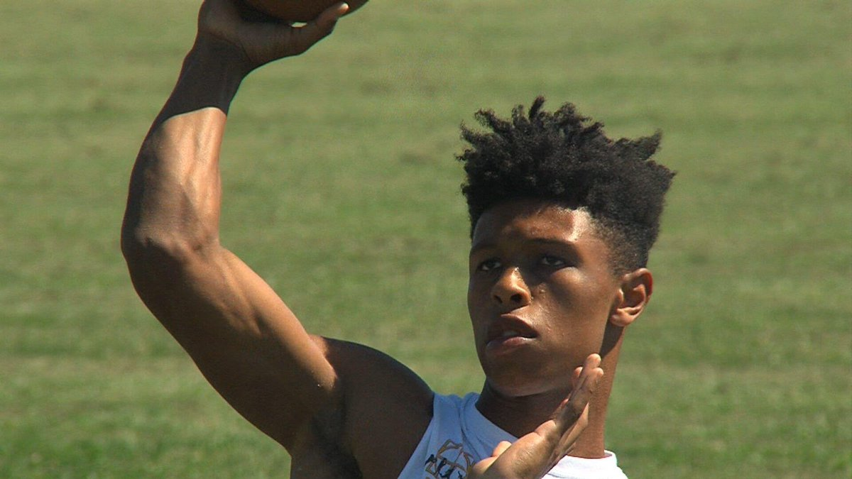 Springfied High QB/ATH Rashad Rochelle (@rashad_rochelle) announces Duke has offered him.  ACC football, and No. 12 in the latest US News & WR rankings. That's ahead of three Ivy League schools. 📚📈 https://t.co/pphlAiSO2x