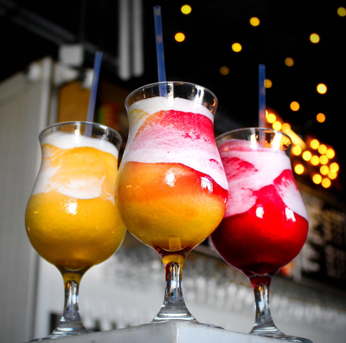 Lomaland is totally slinging Poolside (DIPA w/ coconut, mango, lime, vanilla, & pineapple) & Tonic of Remembrance (super-Berliner w/ strawberries, blackberries, raspberries, & maple syrup) slushies. The more you know. https://t.co/Qr3hShOOkO