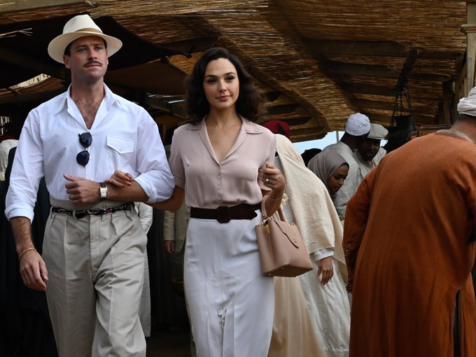 New photos of Gal Gadot and Armie Hammer in Kenneth Branagh's #DeathOnTheNile.   The Agatha Christie adaptation releases October 23. https://t.co/ajzQ3EzA6K