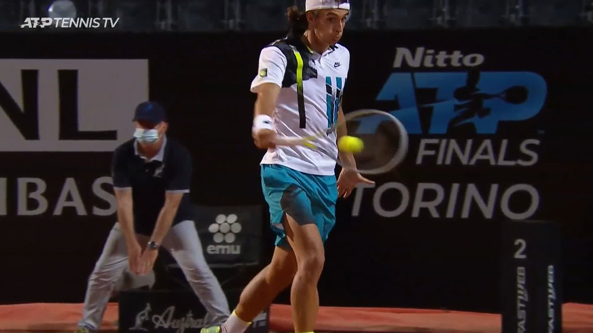 Lorenzo Musetti that is OUTRAGEOUS 🤯  Just way too good, and gets the approval of Nishikori 👏  #IBI20 https://t.co/rDJkPFNnM0