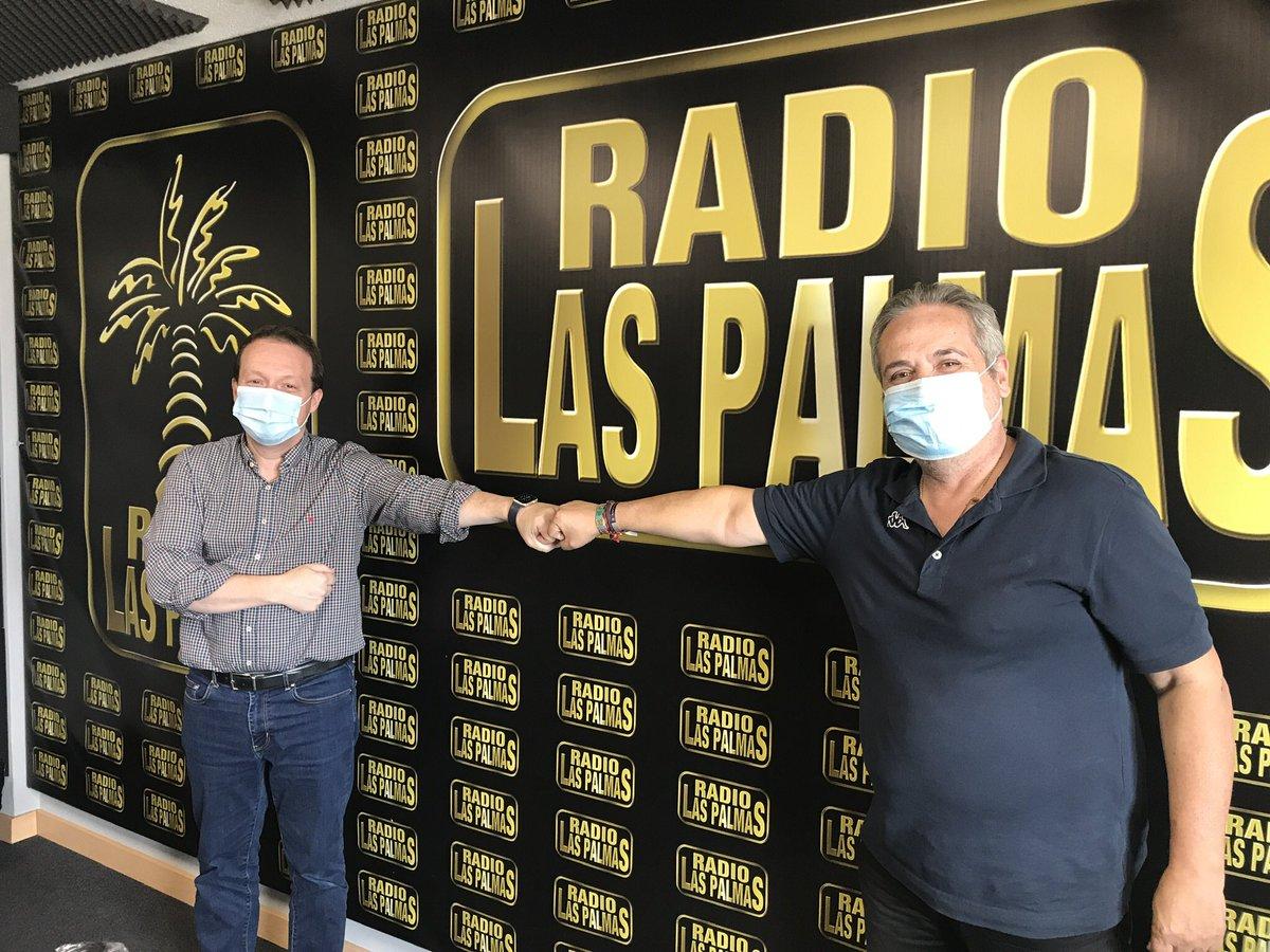 @MiguelA_Ponce habla en el #Pulso en @RadLasPalmas de los preocupante brotes de dos plantas del H. Insular x  #COVIDー19 con mas 30 positivos y 3 fallecidos de pacientes ingresados. @PresiCan @SanidadGobCan @ppdecanarias  https://t.co/MujVsoNcwo https://t.co/wNUjp5Dms7