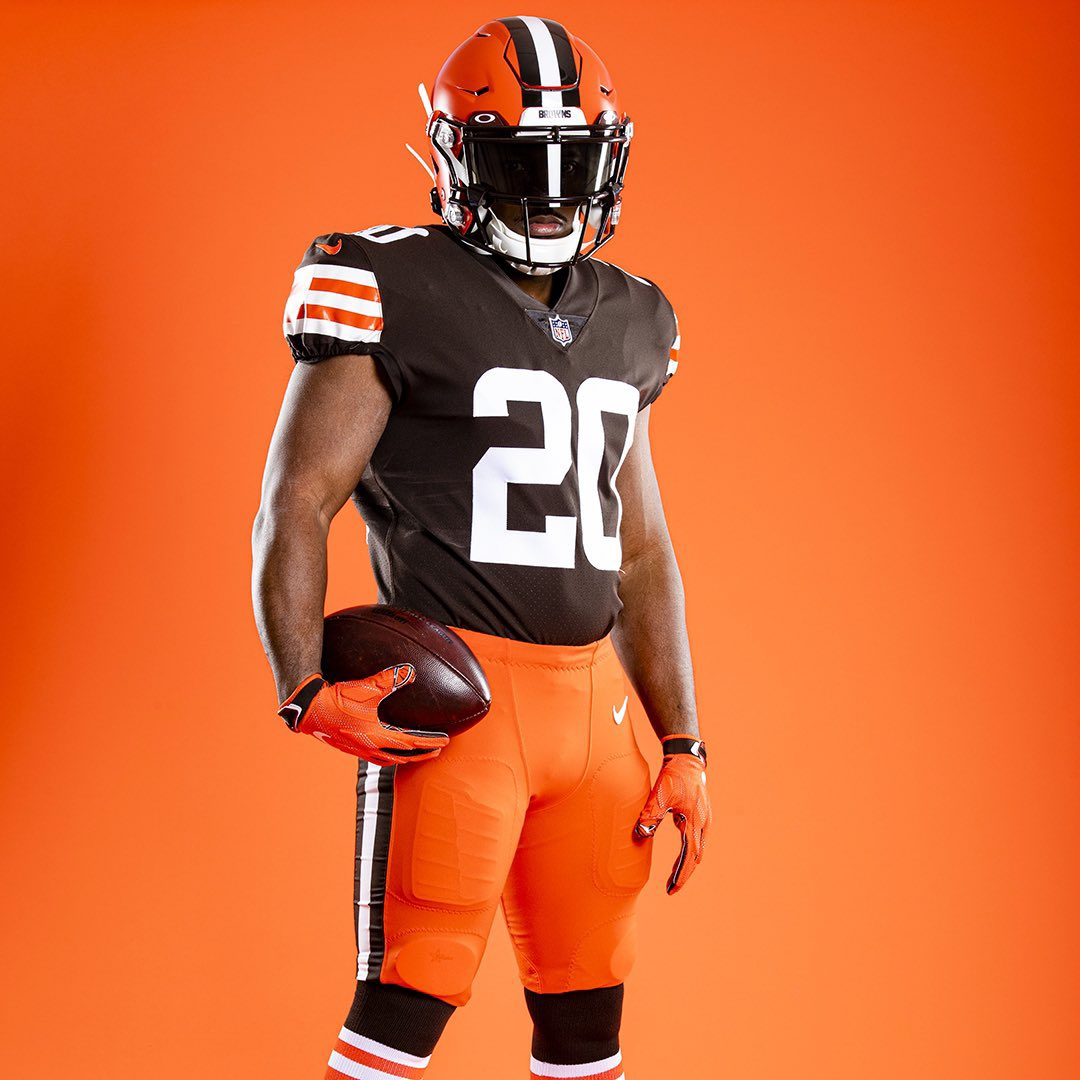 Orange pants tonight for the @Browns #uniswag