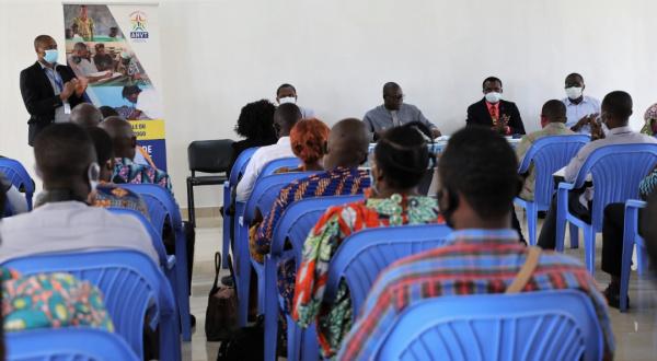 #Togo🇹🇬. L'Agence nationale du #Volontariat au Togo (#ANVT) forme ses volontaires à l'#entrepreneuriat, depuis le début de cette semaine... https://t.co/PG0UQIyDJS #emploi @GouvTg @JeunesTogo @TogoOfficiel @anvt_togo @CnejTg @J_Pmag https://t.co/sqCpkIkmHX
