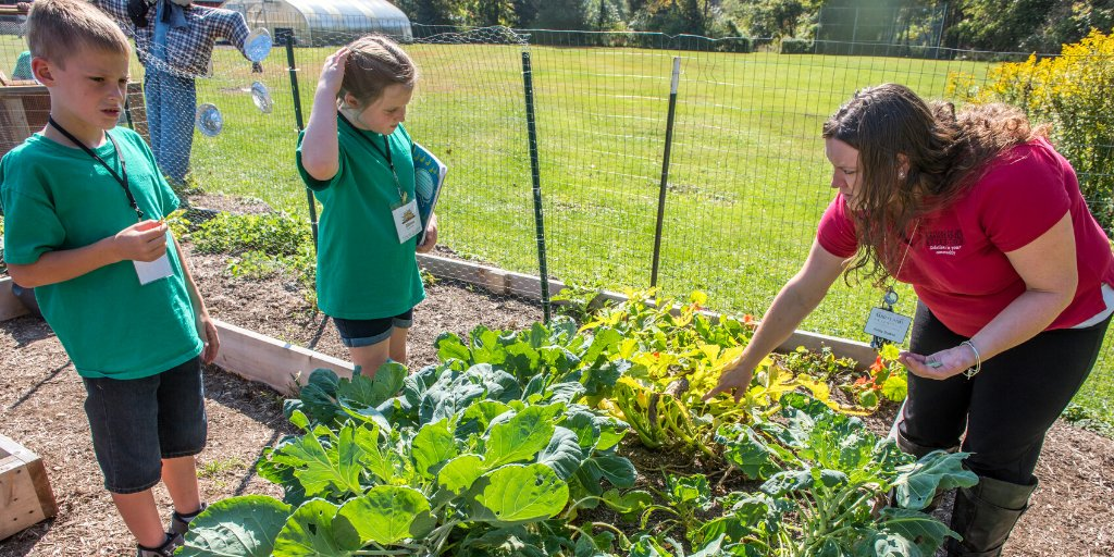 Happy National #TeachAg Day to all of the wonderful agricultural educators around the state! Thanks for all you do to inspire the next generation of ag leaders😊 https://t.co/JM9UcDOYGD