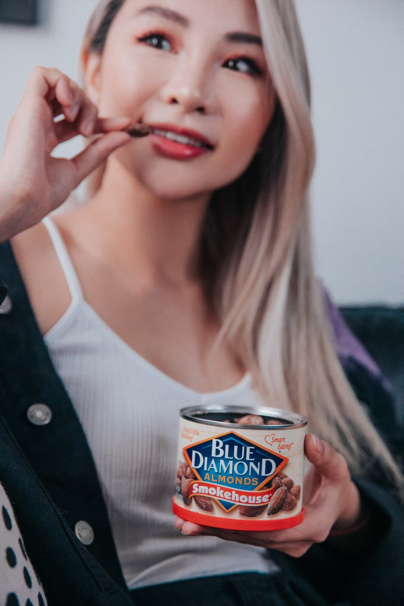 I've been enjoying my favorite afternoon snack @bluediamond Almonds with their delicious flavors Smokehouse, Wasabi and Soy Sauce, and Sweet Thai Chili. #ad Save $2 at @cvspharmacy @riteaid and @aholddelhaize on two or more. #cravevictoriously #bluediamondalmonds #bd