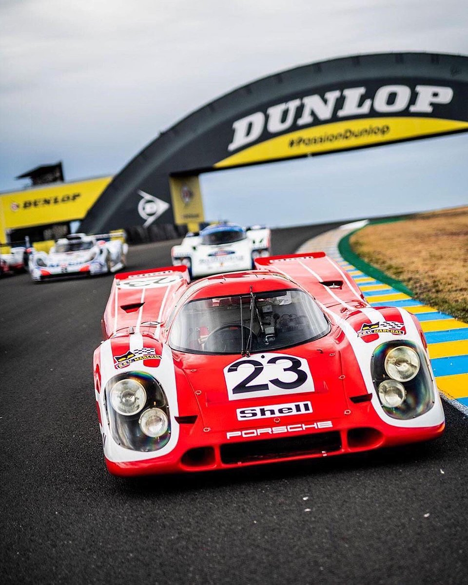 🚗 #PorscheLeMans  A worthy nod for an iconic anniversary - celebrating 50 years since Porsche's pivotal 1970 @24heuresdumans success with the first victorious car and five other racers, all back at #LeMans #PorscheMotorsport 🏁 📷  @remidargegenphotographies https://t.co/Z9Zsl05Pz2