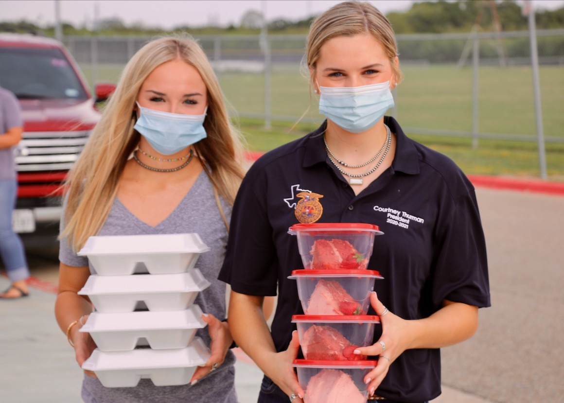 """The @rudder_ag Drive-Thru BBQ Cook-Off a mouthwatering success yesterday! The tradition continued through family recipes & hardworking, helpful students. Congrats to """"Slow & Smokey Wins the Race"""" for winning overall champion honors & to everyone who entered. #FFA #BBQ #rltw https://t.co/QbTh7OsbFE"""