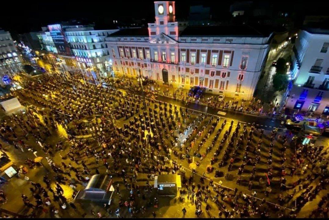 Viendo la imagen de esta manifestación os podéis imaginar lo seguros que son sus eventos #culturasegura #Alertaroja #17j https://t.co/D8YSpPHHHU