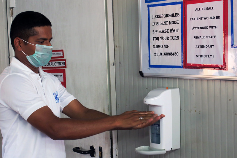 On #WorldPatientSafetyDay, we recognize the efforts of peacekeeping medical staff and @UN_OpSupport in the fight against #COVID19. They work with our missions to:   🔎Investigate outbreaks 😷Improve public health standards 🏥Ensure UN clinics provide safe care to patients  #A4P https://t.co/iXfROBrUSz