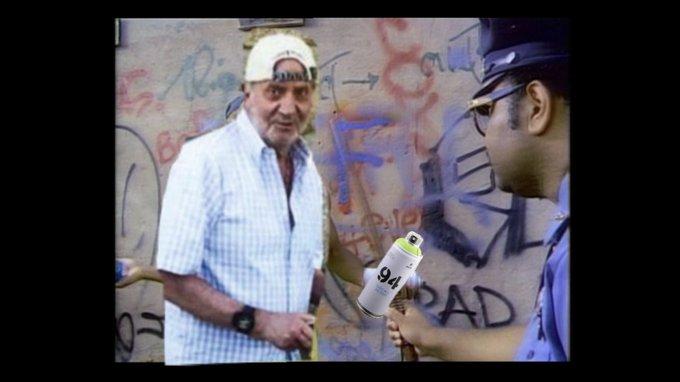 Costumbres Borbónicas : Juancar se dispara en un pie con una escopeta. - Página 4 EiJpjioWAAIYFxq?format=jpg&name=small
