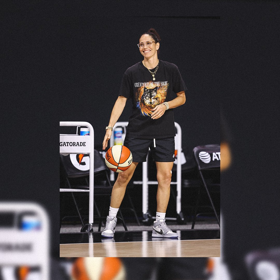 Huge CONGRATS to the 🐐 on being named MVP in the @espn 2020 @WNBA Sneaker Awards 🏆🔥  Read all about it ⬇️ https://t.co/O43RA1A5ra https://t.co/w79VqYi0R6