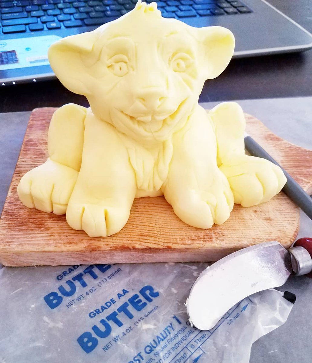 The first is the 14 min sculpt of Simba for @arizonatheatre's 'Nail's It' Butter Sculpt Challenge... the last is after like 20 more miniutes sculpting plus a wine break & putting it in the fridge for said wine break... now I need to make cookies #ATCNailsIt #somuchbutter https://t.co/MSuU6fNnei