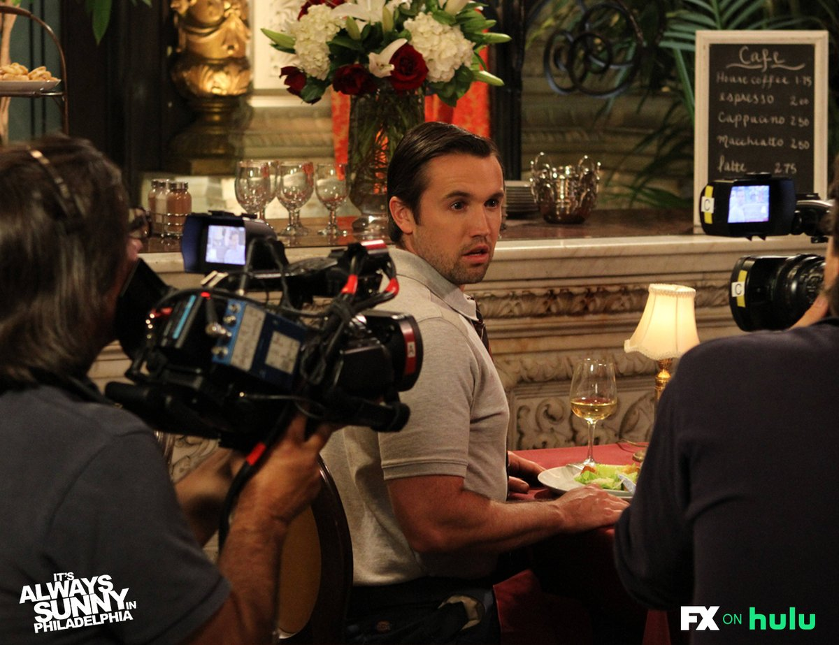 "Thanks for watching ""The Gang Dines Out"" with us. Don't go anywhere, we are about to start our 2nd #SunnyWatchParty episode of the night. Meet back here at 9:30 pm ET to watch ""The Gang Goes to the Jersey Shore."" #SunnyFXX https://t.co/n3kcMlGFTE"