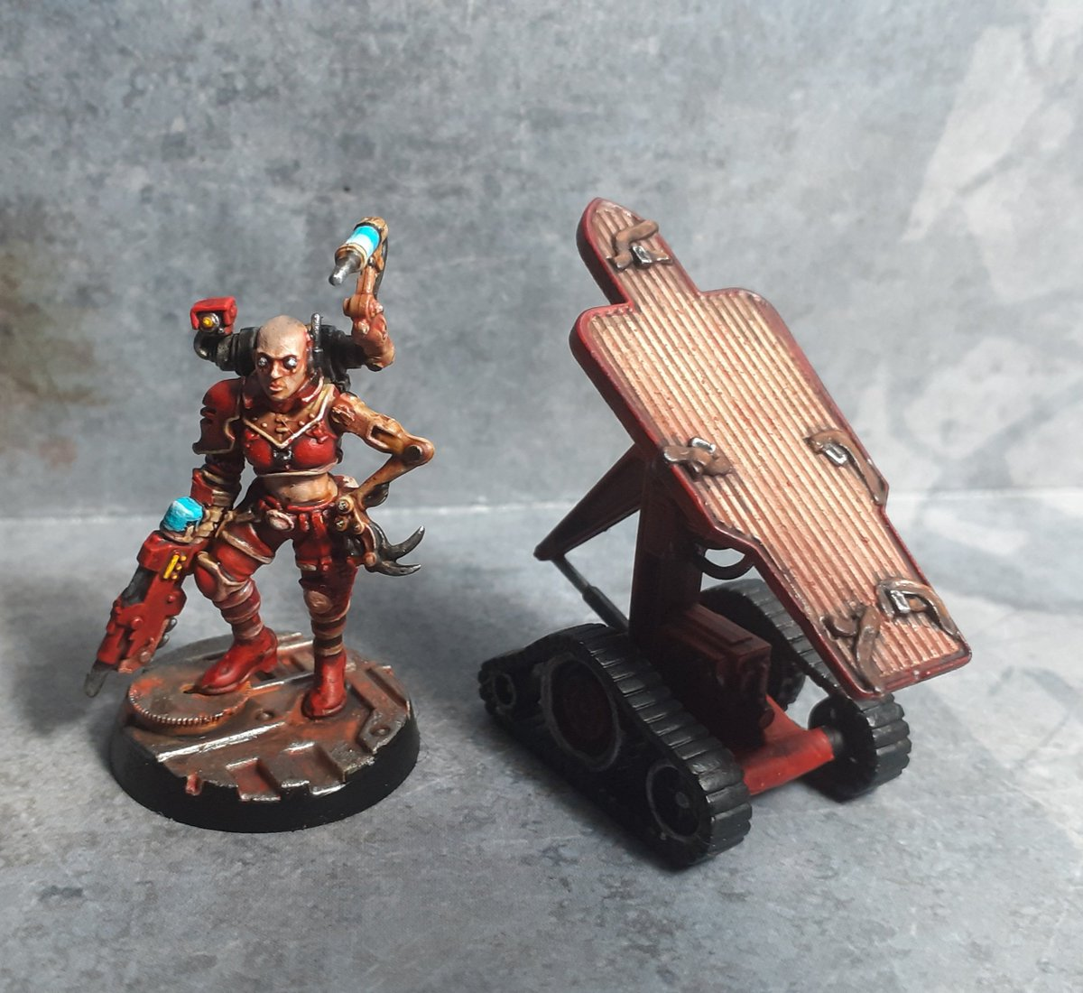 #necromunda rogue doc for my #escher gang. #warhammer40k #kitbash #WarhammerCommunity https://t.co/4CPBFGDRSs